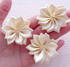 Cream White Satin Ribbon Flowers / Fabric Floral Applique (3pcs / 5cm) Baby Hairbow Toddler Head Bands DIY Wedding Card Decoration B157