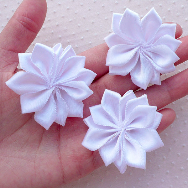 Satin Ribbon Floral Applique / Fabric Ballerina Flowers (3pcs / 5cm / White) Flower Hair Bows Headbands Wedding Invitation Card Making B161
