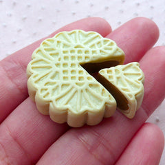 Snow Skin Moon Cake Cabochons (2pcs / 29mm / Flatback) Cute Miniature Dessert Kawaii Dollhouse Mooncake Chinese Moon Festival Sweets FCAB334