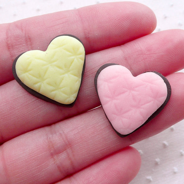 Miniature Chocolate Sugar Cookie Cabochon in Heart Shape (2pcs / 21mm x 19mm / Strawberry & Lemon / Flatback) Cute Dollhouse Sweets FCAB394