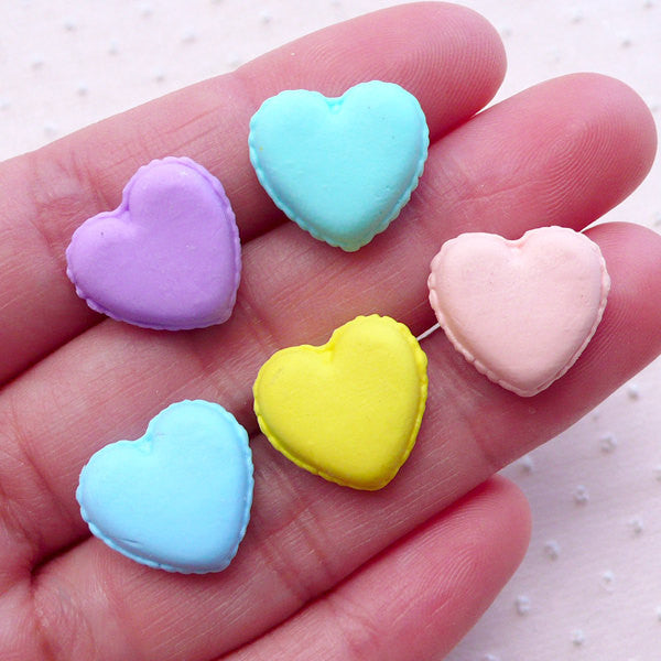 Dollhouse French Macaron Cabochons in Heart Shape (5pcs / 15mm x 14mm / Pastel Color Mix) Kawaii Miniature Patisserie Sweets Decoden FCAB412