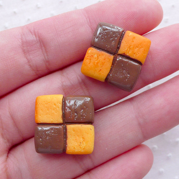 Checkerboard Cookie Cabochon / Miniature Biscuit Cabochon (2pcs / 17mm / Flat Back) Kawaii Sweets Decoden Phone Case Kitsch Jewelry FCAB427