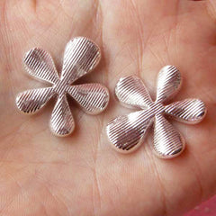 CLEARANCE Rhinestone Flower Cabochon / Bling Bling Floral Metal Cabochon (2pcs / 26mm / Silver with Clear Rhinestones) Hair Bow Center Supplies CAB117