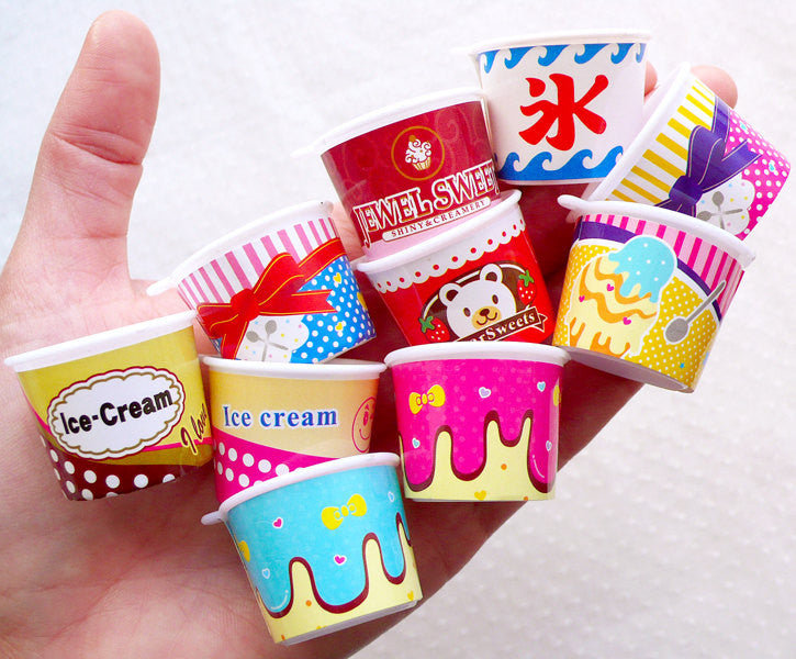 Dollhouse Ice Cream Cup Charms / Miniature Parfait Sundae Cups / Mini Frozen Yogurt Cup (4pcs by Random / 30mm x 23mm) Fake Sweets MC50