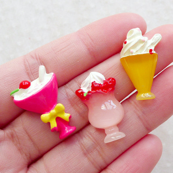 Sweets Deco / Mini Ice Cream Sundae Parfait Cabochon Mix (3pcs / 13mm to 15mm / Flat Back) Decoden Pieces Kawaii Craft Scrapbooking FCAB478