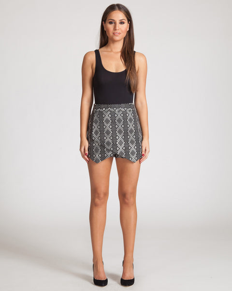 FIFTH LABEL IN THE NIGHT SKORT-AZTEC PRINT