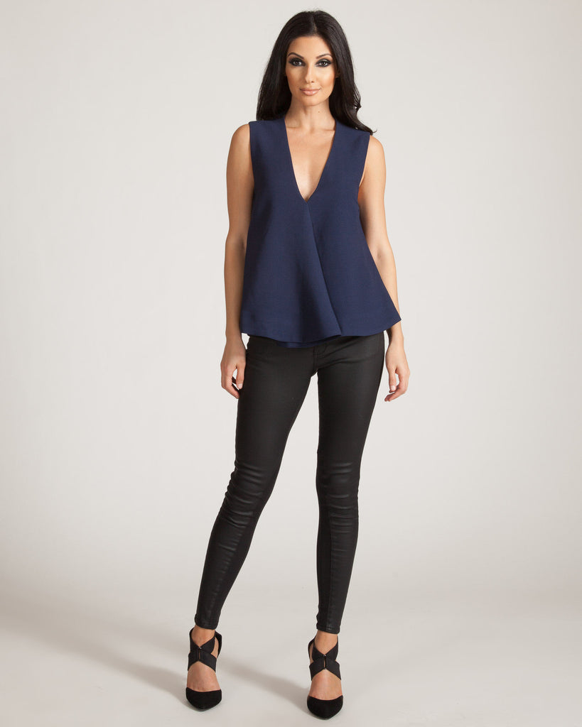 FINDERS KEEPERS SMALL TALK NAVY TOP