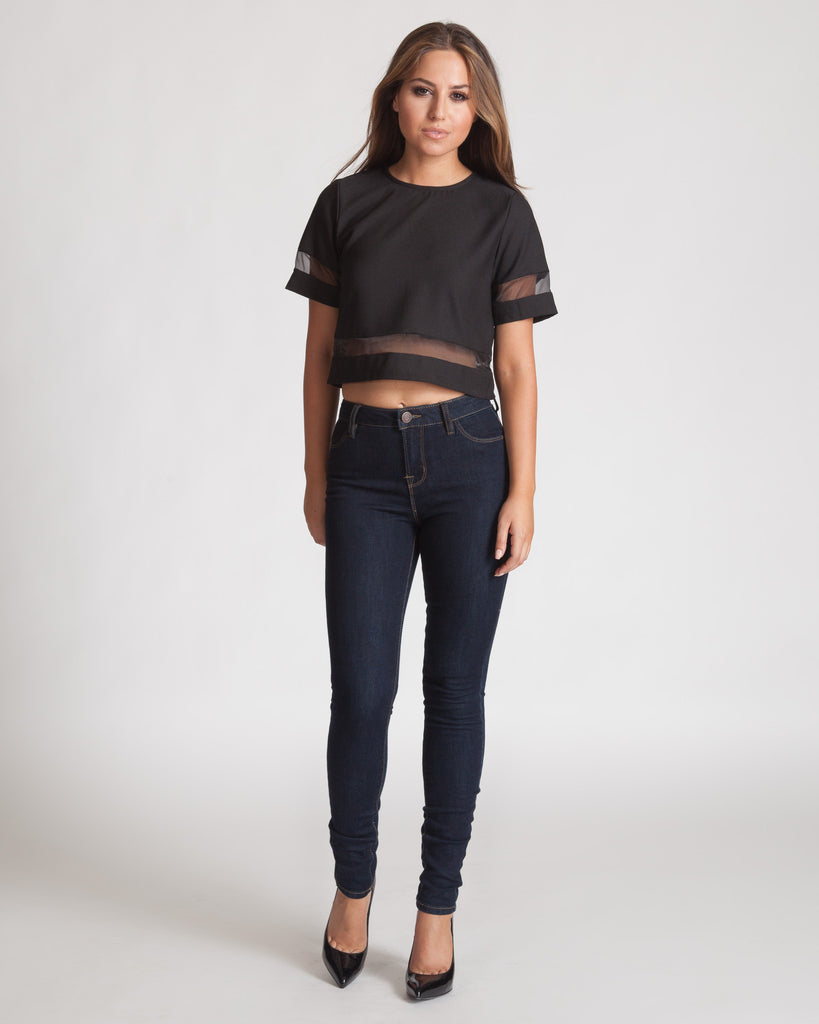 MADISON SQUARE BLACK SHORT SLEEVED CROP TOP