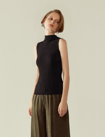 funnel neck ribbed knit top- black