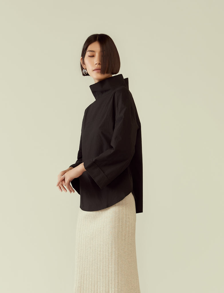 mock neck shirt with wide sleeves- black