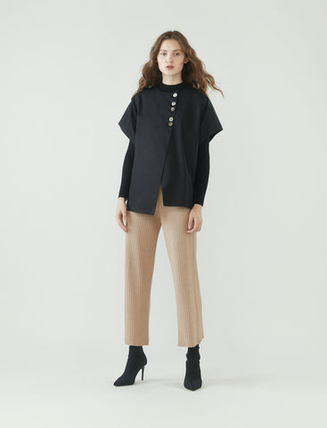 mismatched buttons top - black