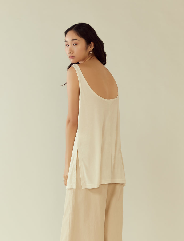 ribbed scoop-back tunic tank- creme