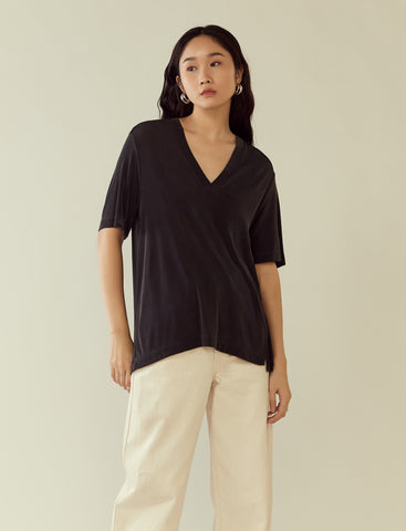 oversized v-neck tee- midnight