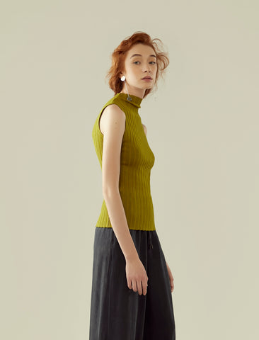 funnel neck ribbed knit top- green olive