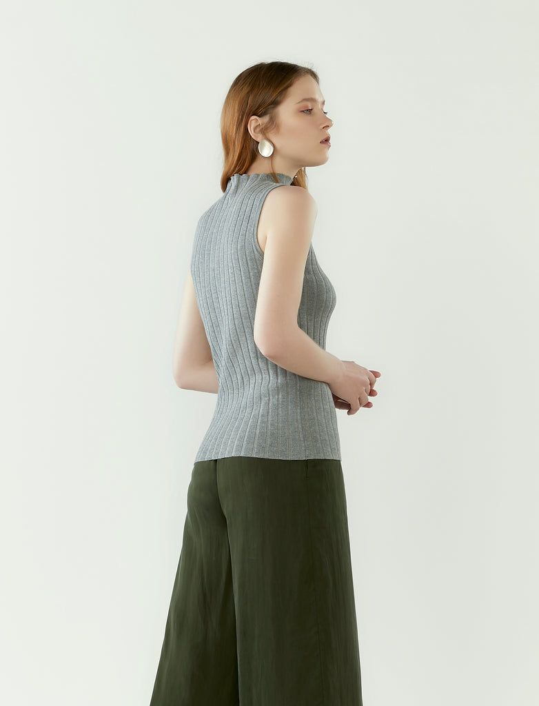 funnel neck ribbed knit top- heather grey