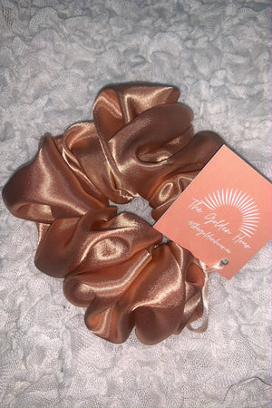 The Golden Hour Scrunchie Pink Champagne