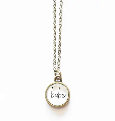 Babe Small Circle Necklace