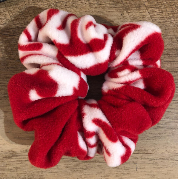 Crimson & Cream Scrunchie