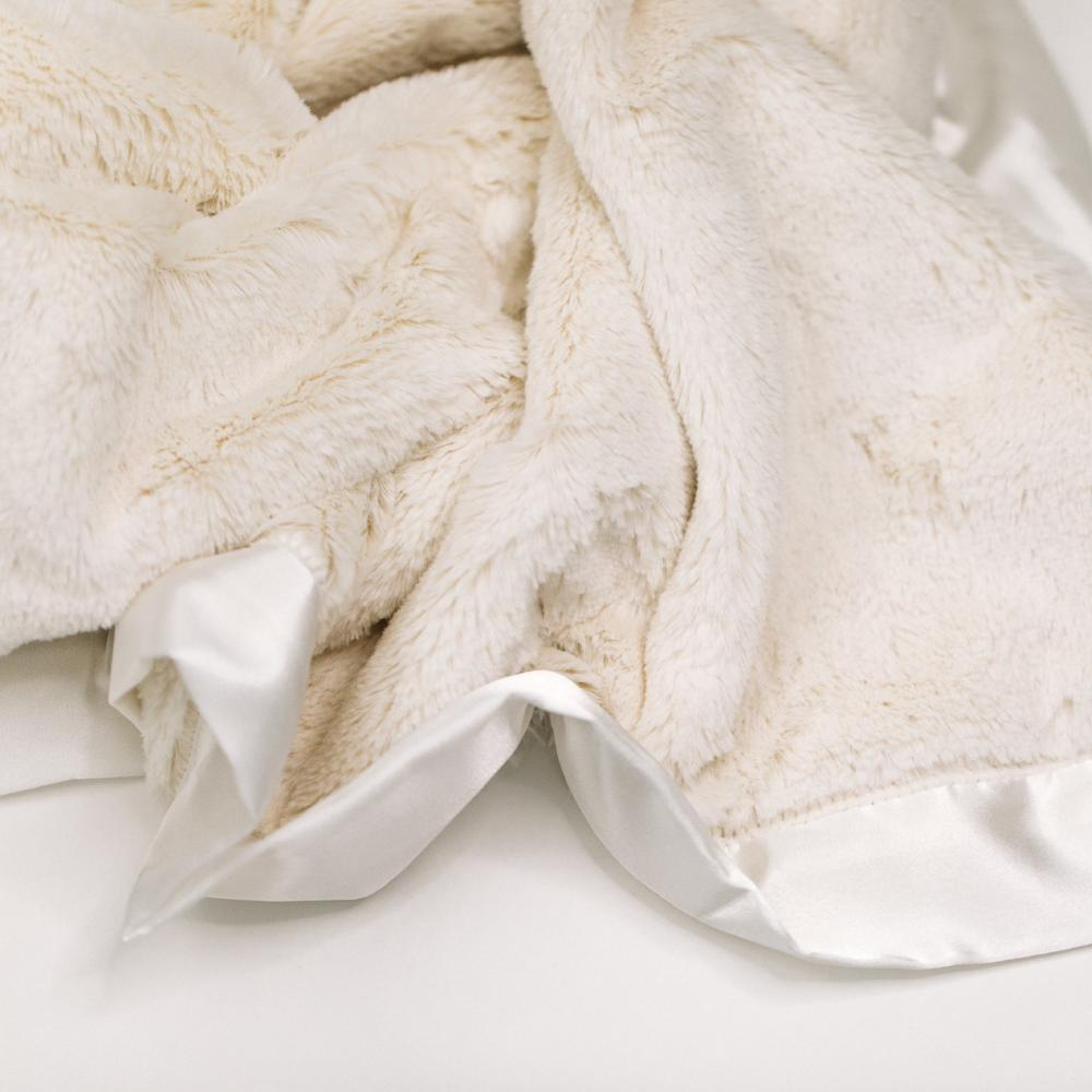Saranoni-Ivory Lush Satin Border Mini Blanket