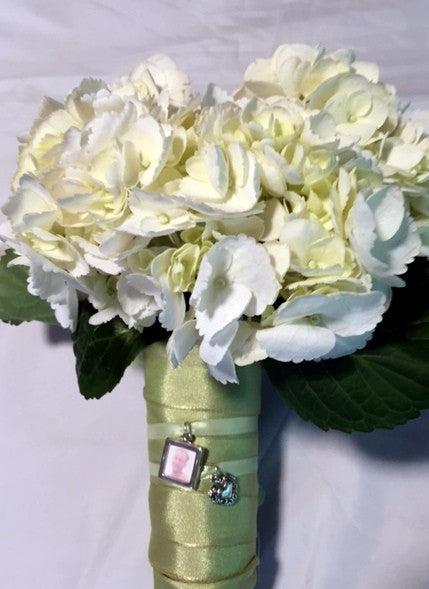 Charm Bouquets Bring Special Memories To Weddings
