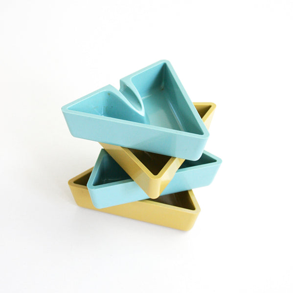 SOLD - Mid Century Modern Melmac Ashtrays / Vintage Aqua and Yellow Triangle Trays