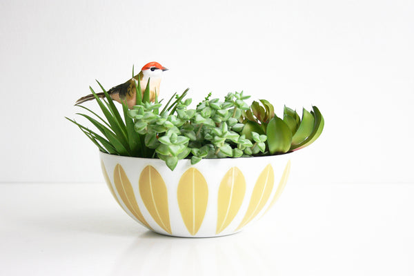 SOLD - Vintage Cathrineholm Mustard and White Enamel Lotus Bowl / Mid Century Modern 8 Inch Enamel Bowl