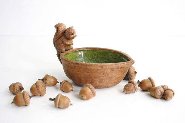 SOLD - Vintage Ceramic Nut Dish with Squirrel / Retro Woodland Trinket Dish