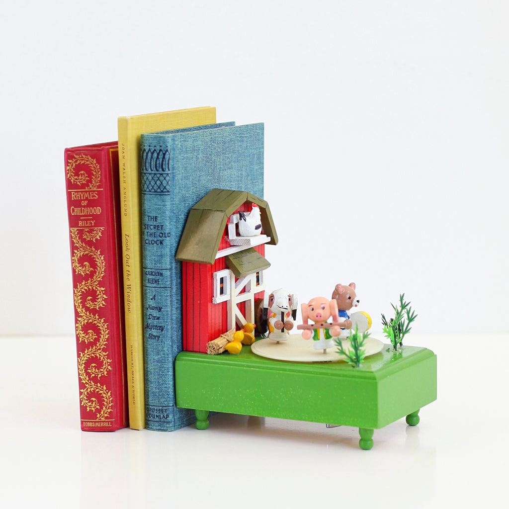 SOLD - Vintage Moving Musical Bookend - Old MacDonald Had a Farm