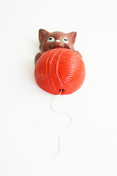 SOLD - Vintage Plaster Kitten String Holder / 1940s Chalkware Cat String Dispenser