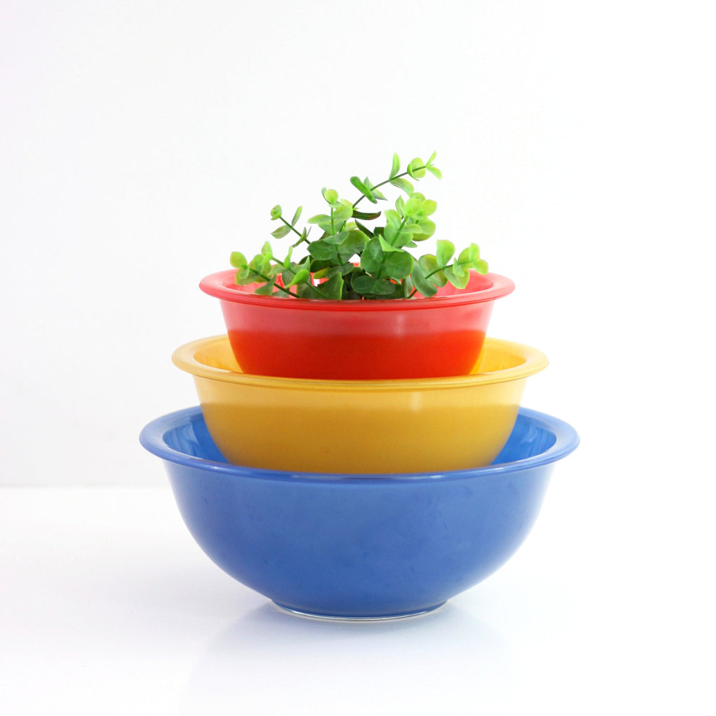 SOLD - Vintage Pyrex Primary Color Line Mixing Bowls