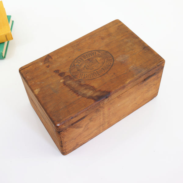 Vintage Henry The Fourth No. 19 Wooden Cigar Box