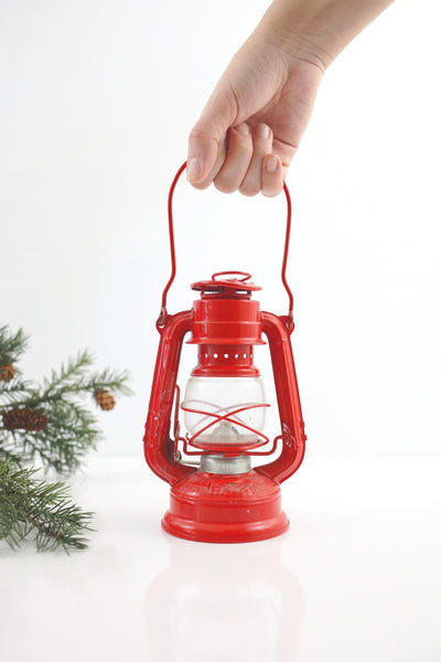 Vintage Winged Wheel No. 350 Red Skater's Lantern
