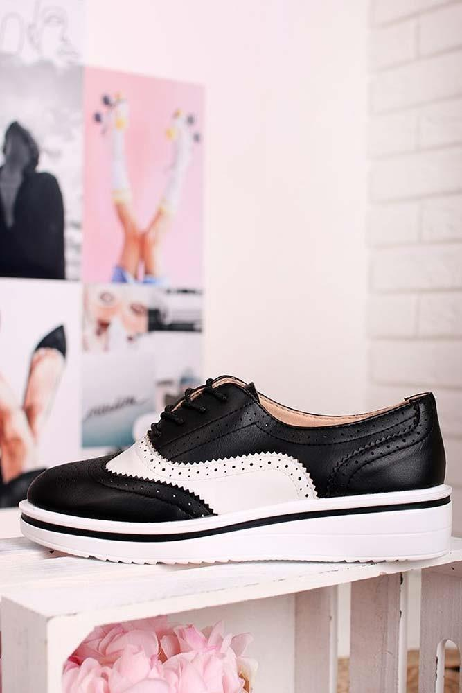 Contrasting Brogue Lace Up Shoes