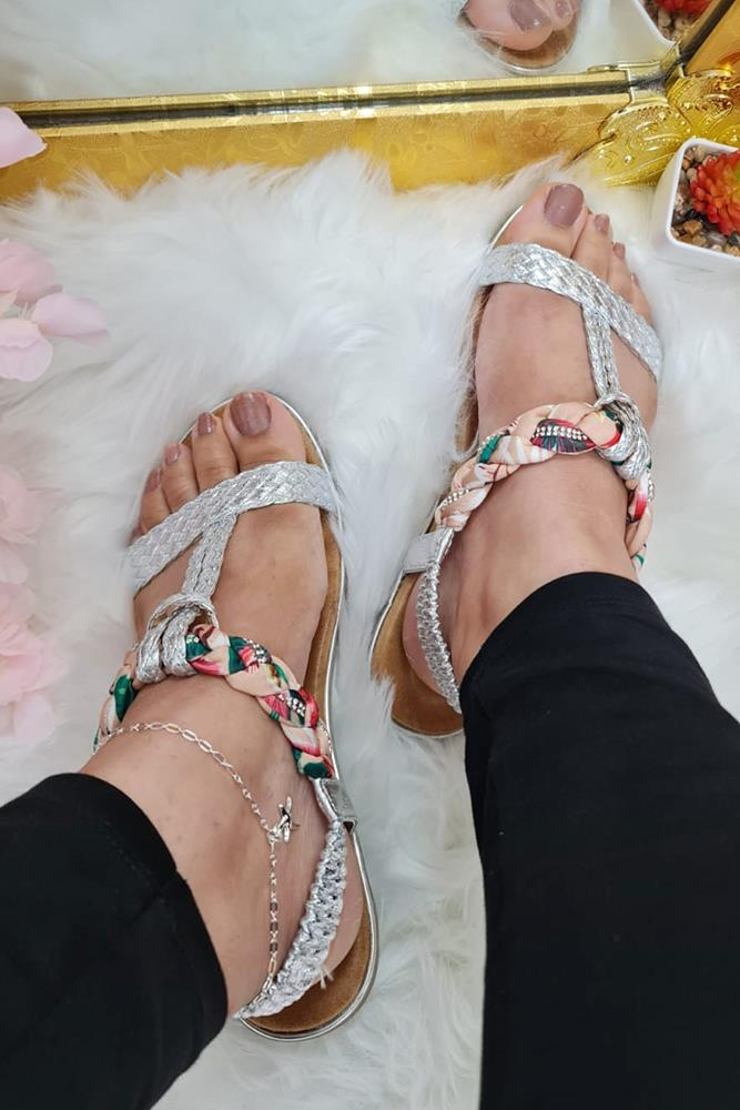 Women Ribbon Plait Detail Sandal