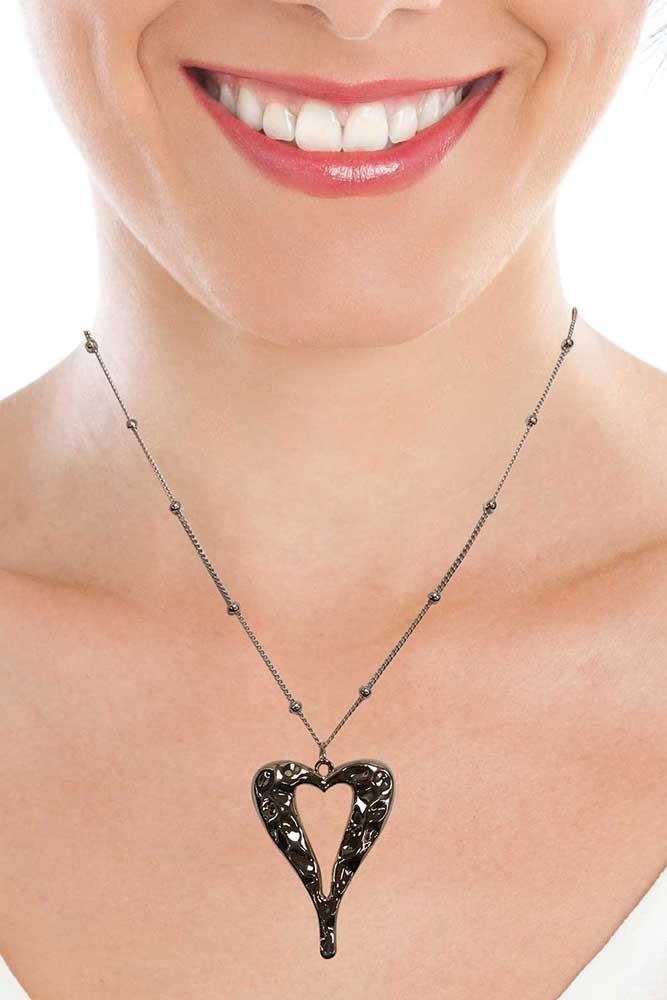 Abstract Heart Pendant Chain Necklace