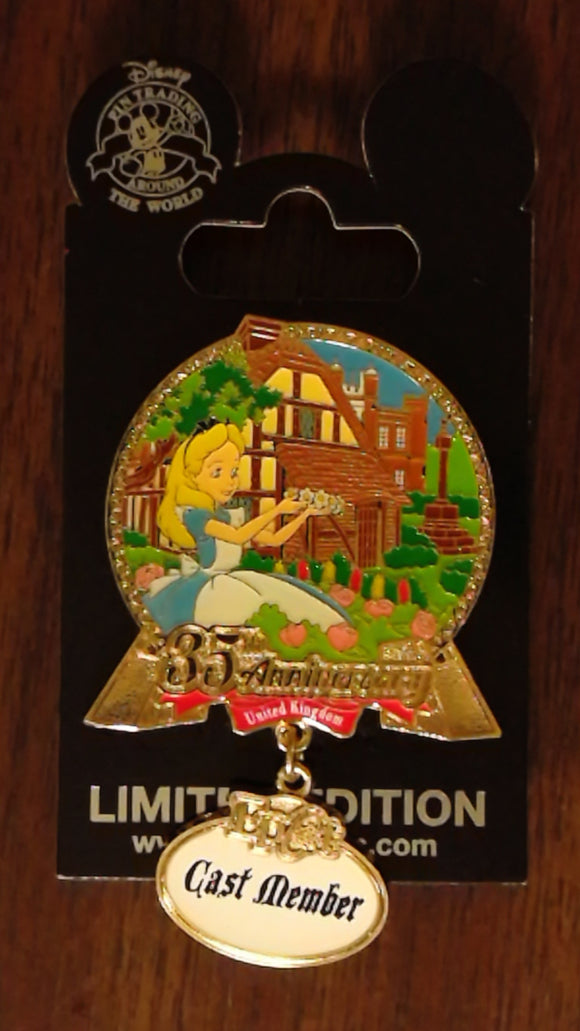 Pin 120418 WDW - Cast Exclusive - EPCOT 35th Anniversary United Kingdom
