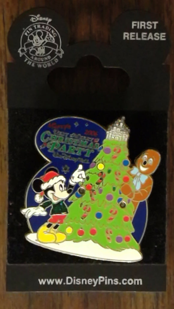 Pin 51409 WDW - Mickey's Very Merry Christmas Party 2006 - Mickey and Gingerbread Man (Light-up)