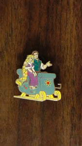 Pin 98982 DLP - Pin Trading Event - The Christmas of Rapunzel - Rapunzel and Flynn on a sleigh