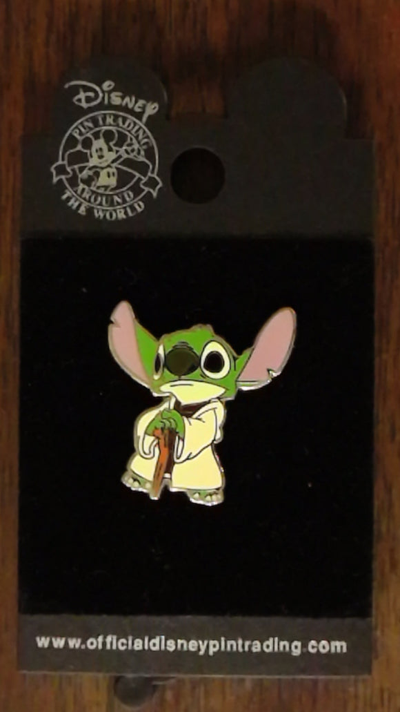 Pin 61071 Star Wars™ - Mystery Pin Collection - Stitch as Yoda