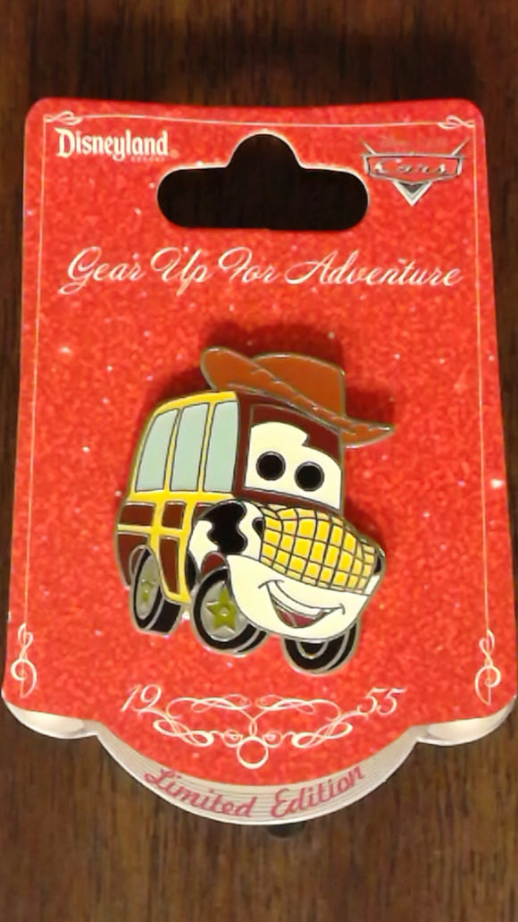 Pin 91359 DLR - Pixar Characters as Cars Series - 'Toy Car Story' - Woody Car