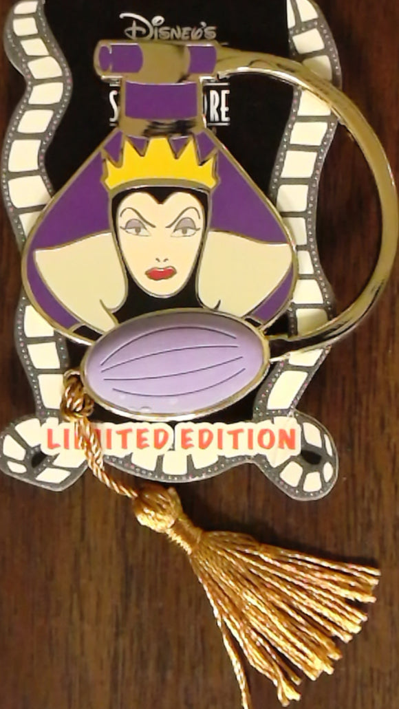 Pin 89959 DSF - Perfume Series - The Evil Queen Perfume Bottle