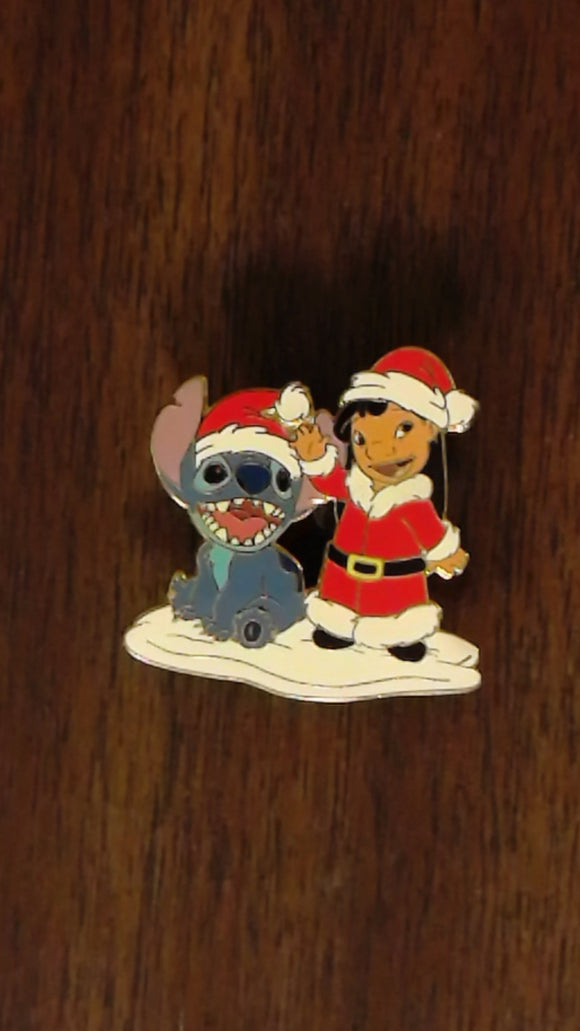 Pin 26944 DLR - Lilo & Stitch Santa's Helpers