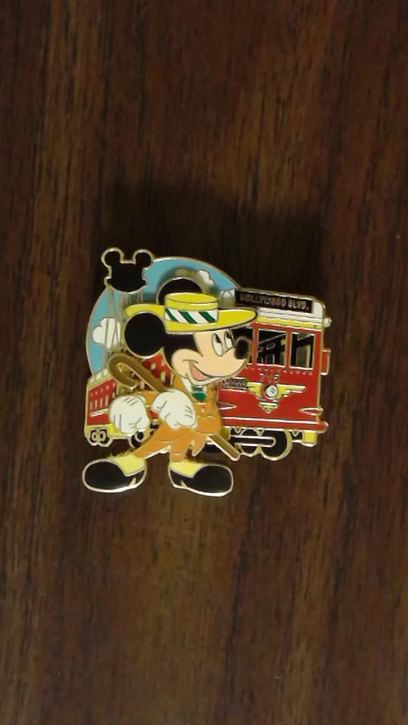 Pin 63862 WDW - Find-A-Pin Series 2008 - Mickey Mouse (August)