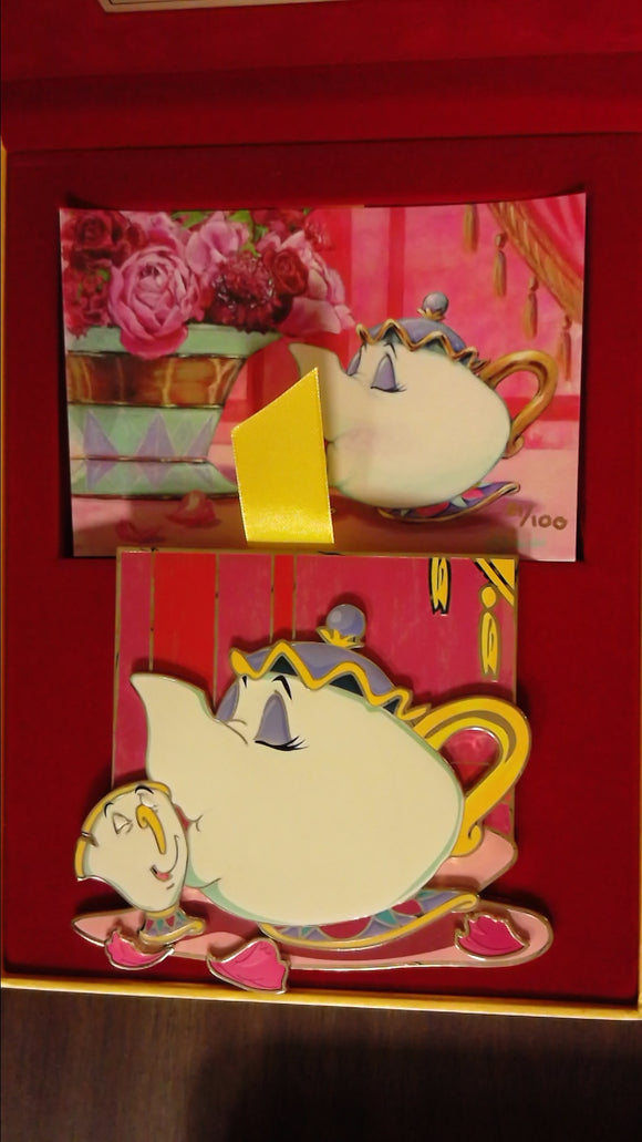 Pin 115156 ACME - Artist Series - Mrs. Potts - Tenderness