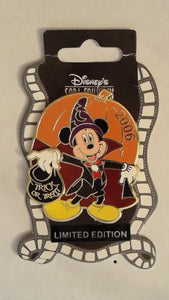 Pin 49965 DSF - Halloween 2006 - Mickey Mouse Vampire (Surprise Release)