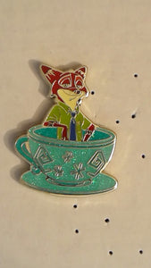 Pin 124458 HKDL - Magic Access - Mad Hatter Tea Cup - Mystery - Nick Wilde
