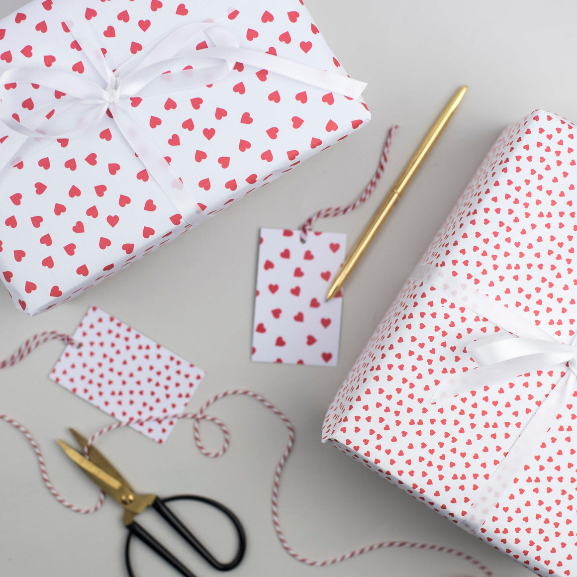 Red Heart Valentine's Wrapping Paper Set