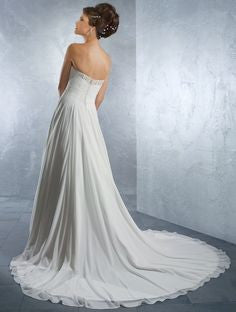 Alfred Angelo 2171 White chiffon Size 6 wedding dress, Sweetheart neckline, Sale $460