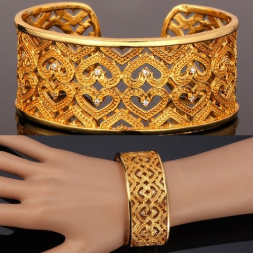 Jewelry Romantic Heart Pattern Cuff Bracelet