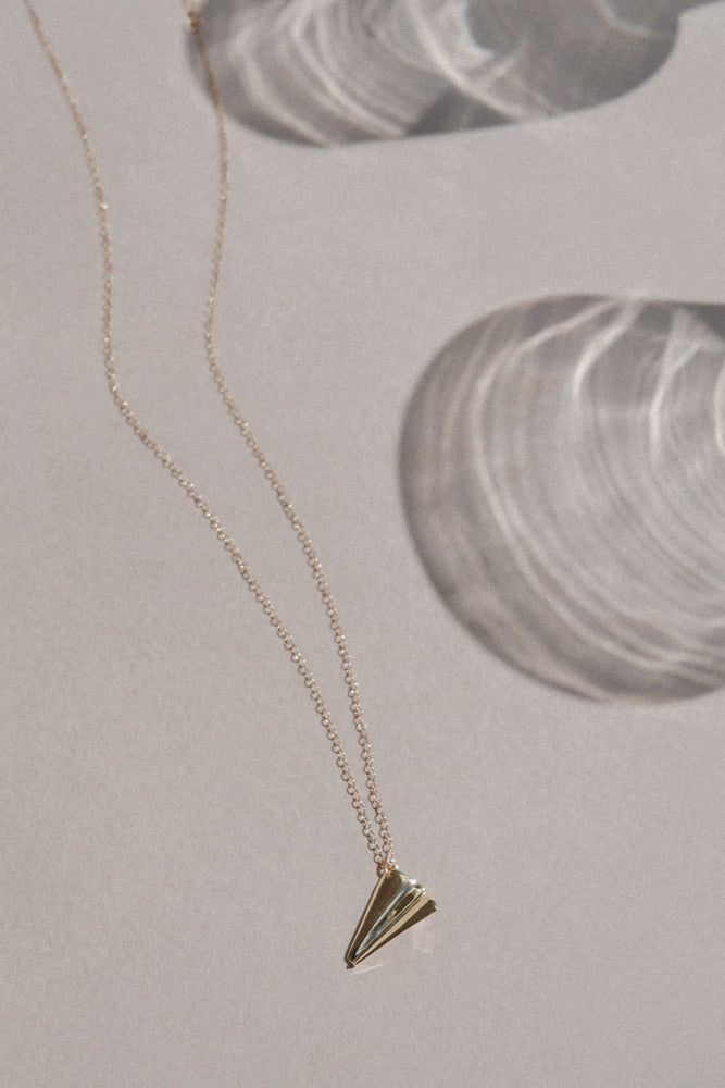 Load image into Gallery viewer, Paper Plane Necklace - MUNS